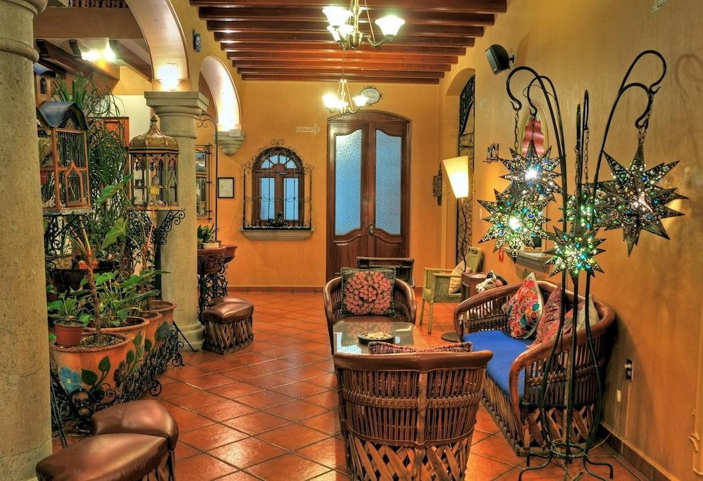 호텔 부티크 파라도르 산 미구엘(Hotel Boutique Parador San Miguel) Hotel Image 18 - Living Area