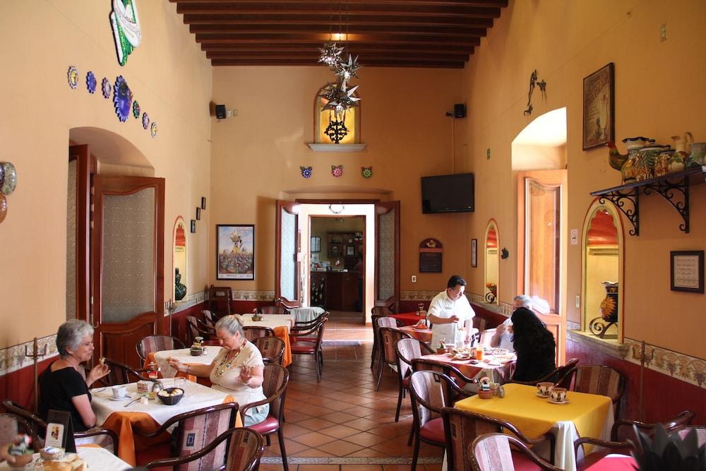 호텔 부티크 파라도르 산 미구엘(Hotel Boutique Parador San Miguel) Hotel Image 34 - Restaurant