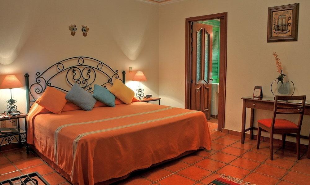 호텔 부티크 파라도르 산 미구엘(Hotel Boutique Parador San Miguel) Hotel Image 52 - Guestroom View