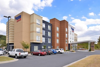 Hotel - Fairfield Inn & Suites Calhoun