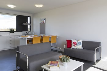 Five Bedroom Apartment
