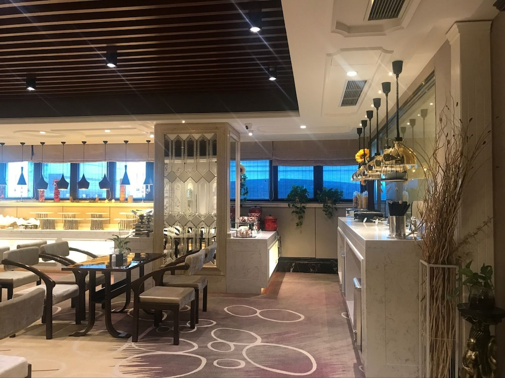サン ムーン レイク ホテル (日月潭大飯店)