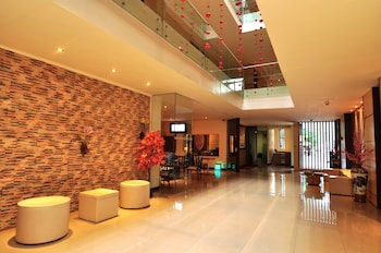 Dynasty Tourist Inn Cebu Lobby