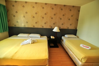 Dynasty Tourist Inn Cebu Guestroom