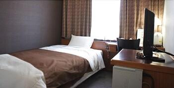 シングルルーム セミダブルベッド 1 台 喫煙可 13㎡ ホテルアベスト長野駅前