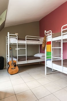 Bed in a mixed Dormitory with 4 Beds, Private Bathroom