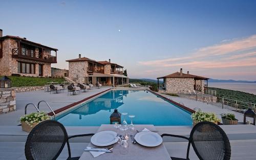. Karavia Lux Inn