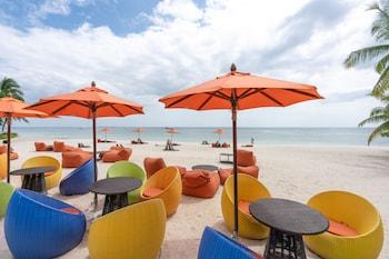 South Palms Resort Panglao Poolside Bar