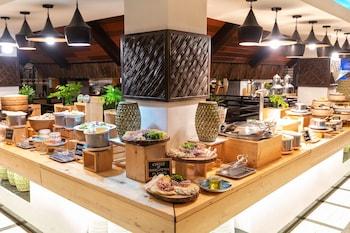 South Palms Resort Panglao Breakfast buffet