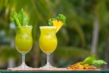 South Palms Resort Panglao Food and Drink