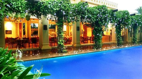 . Areindmar Hotel
