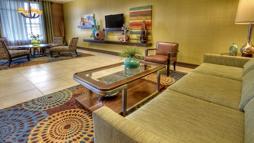 . Holiday Inn Express & Suites Pittsburgh SW - Southpointe, an IHG Hotel
