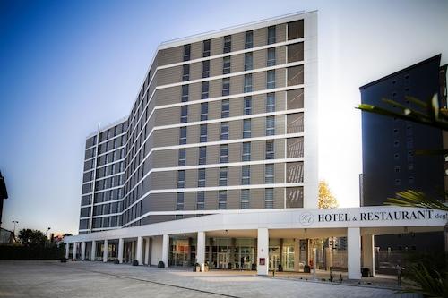 . Hotel Degli Arcimboldi