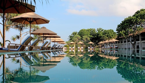 __{offers.Best_flights}__ The Fortress Resort & Spa