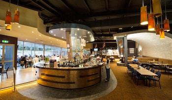 桑當公園飯店 Sandown Park Hotel