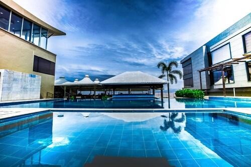 . The Gold Beach Resort