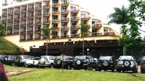. Ayaba Hotel