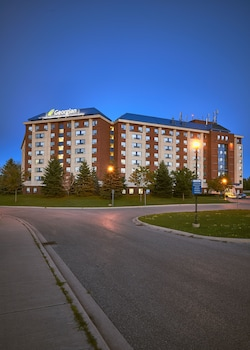 Hotel - Residence & Conference Centre - Barrie