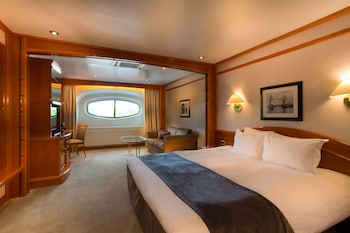 Classic Room (Yacht Dockview)