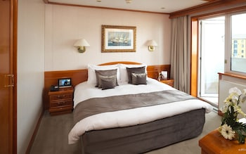 Junior Suite, River View (Yacht)