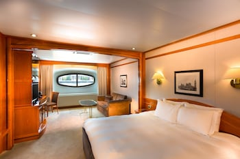 Classic Room, River View (Yacht)