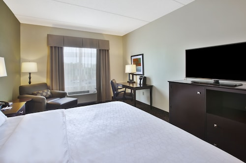 Holiday Inn Express & Suites Geneva Finger Lakes, Ontario
