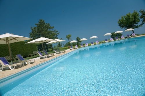 __{offers.Best_flights}__ Hotel Emilia