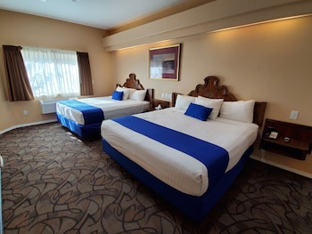 Luxury Suite, Multiple Beds, Accessible