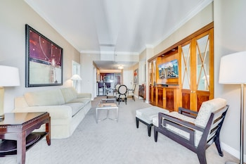 1BR Balcony Suite Mountain View
