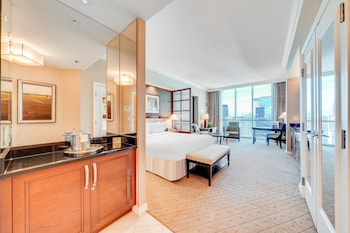 Signature Suite, Multiple Bedrooms, Connecting Rooms
