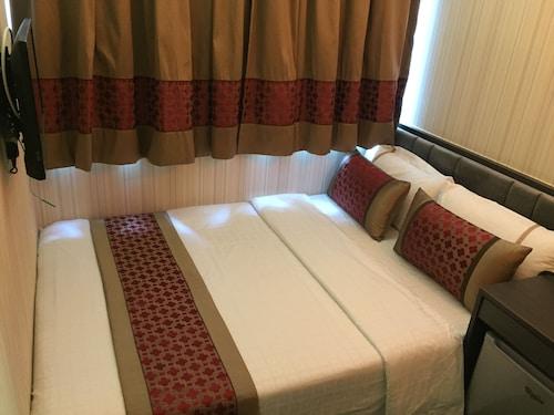Seasons Hotel, Yau Tsim Mong