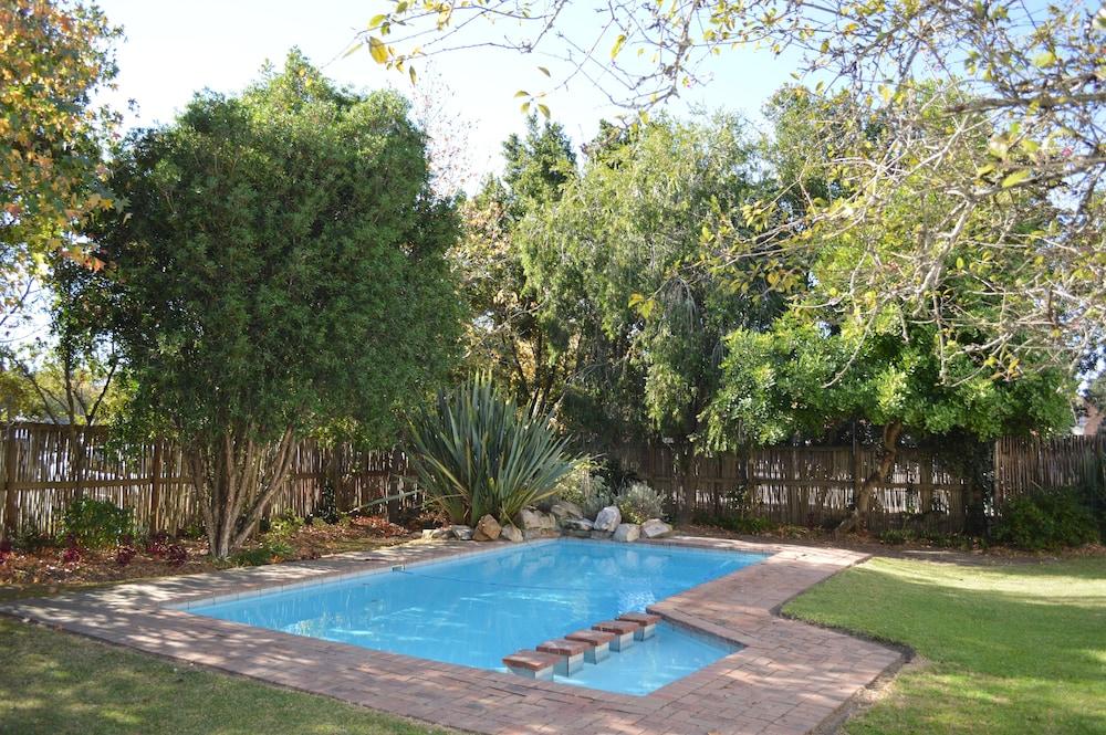 오크허스트 호텔(Oakhurst Hotel) Hotel Image 27 - Outdoor Pool