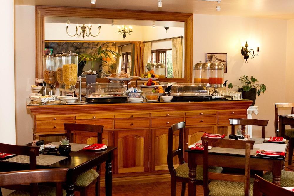 오크허스트 호텔(Oakhurst Hotel) Hotel Image 31 - Dining
