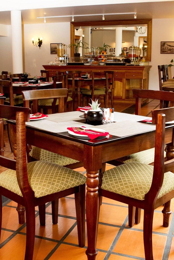 오크허스트 호텔(Oakhurst Hotel) Hotel Image 30 - Dining