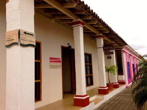 . Hotel Casa del Río
