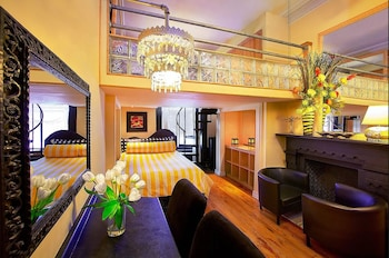 The International Cozy Inn