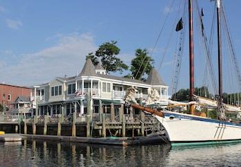 Hotel - Grand Harbor Inn