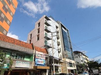 Orange Nest Hotel Manila Property Entrance