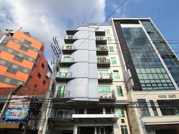 Orange Nest Hotel Manila Front of Property