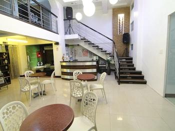 Orange Nest Hotel Manila Lobby