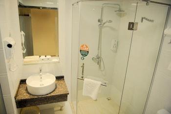 GreenTree Inn Changzhou Changwu Gufang Road Express Hotel - Bathroom  - #0