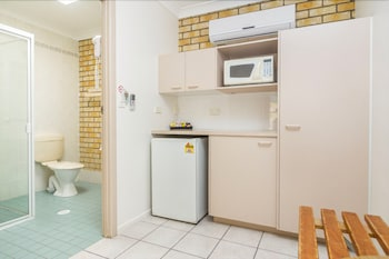 Caboolture Motel - In-Room Kitchenette  - #0