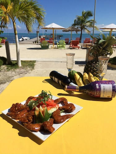 Tropical Paradise Hotel,