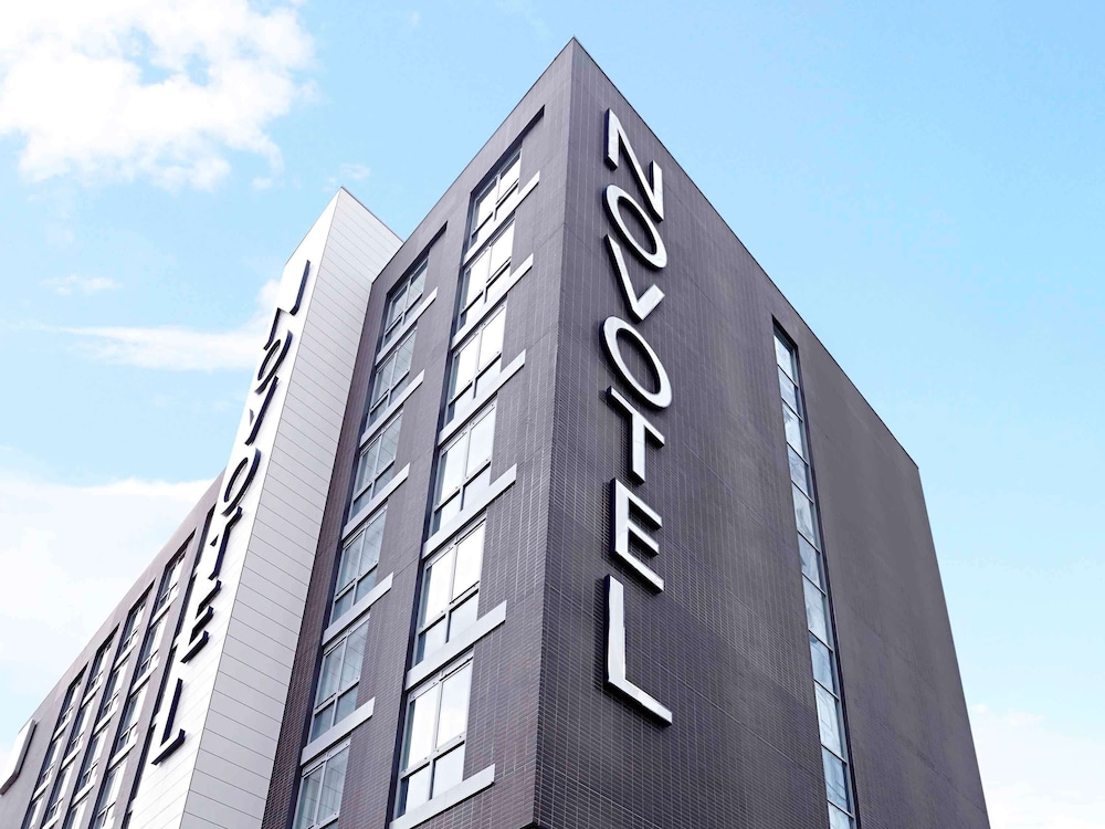 Novotel London Brentford, Featured Image