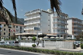 彼得拉二月神飯店