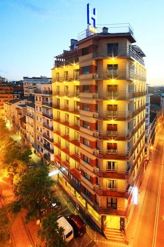 . Hotel Santamaría