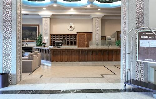 . Hotel Zentral Mayoral