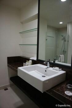 Seda Nuvali Laguna Bathroom Sink