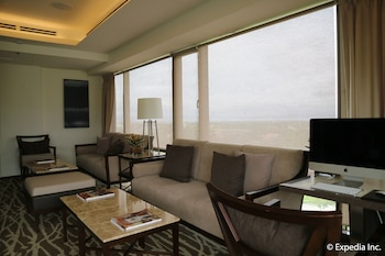 Seda Nuvali Laguna Executive Lounge