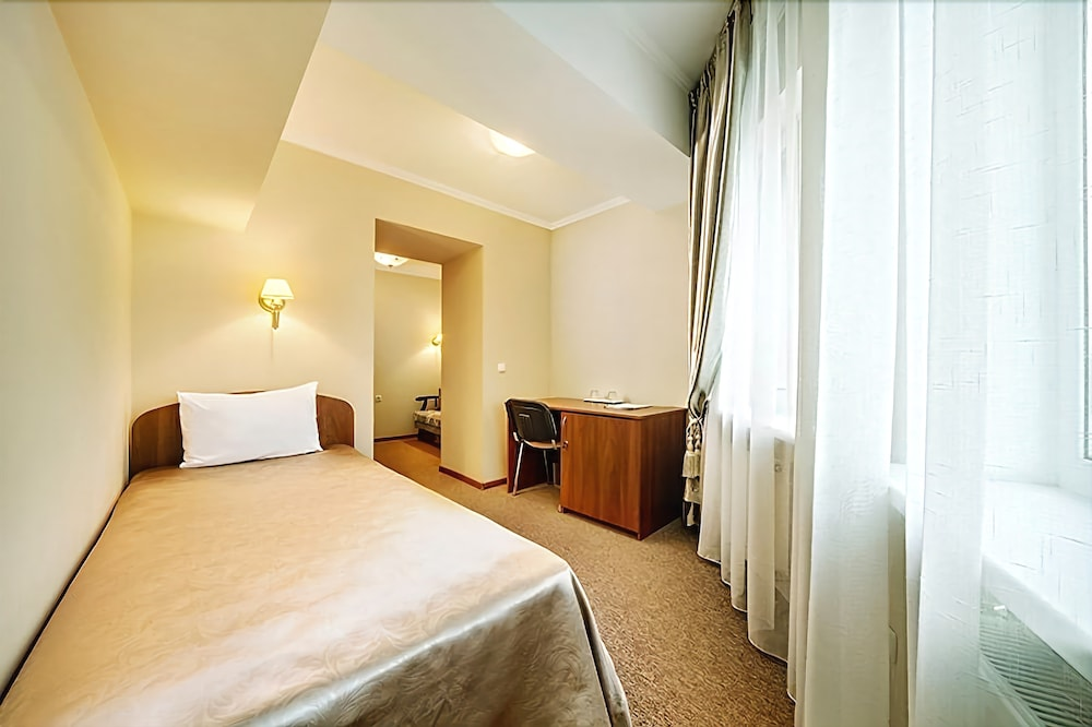 Отель «Черное Море»